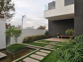 Modern home by Muraliarchitects Modern