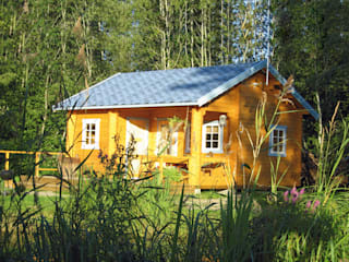 Classic style houses by Gartenhaus2000 GmbH Classic