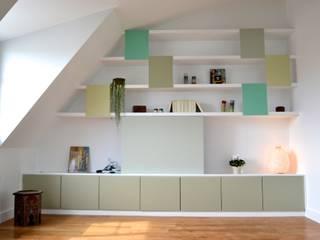 120m2 de combles réunis sous les toits Salon moderne par AM DECO Moderne