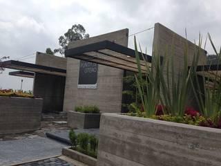 Pergolas con WPC Innover Grupo Boes Casas modernas