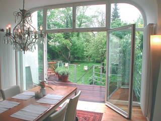 Terrasse und Garten: moderner Garten von Grau Design