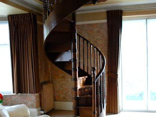 Antique Mahogany Spiral Staircase de Apollo Clásico