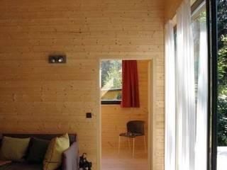 Wochenendhaus in Brandenburg von Katja Söchting interior design studio Minimalistisch