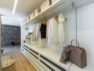 Projekty,  Garderoba zaprojektowane przez ARKITURA GmbH