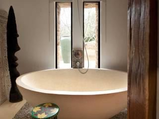 Casas de banho  por TG Studio, Mediterrânico