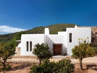 Exterior Mediterranean style house by TG Studio Mediterranean