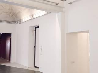 Casa_01/15 - Ristrutturazione di una dimora storica di Cibelli+Guadagno architetti associati Minimalista