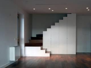 casa_d2 - Riuso funzionale di un edificio di Cibelli+Guadagno architetti associati Minimalista