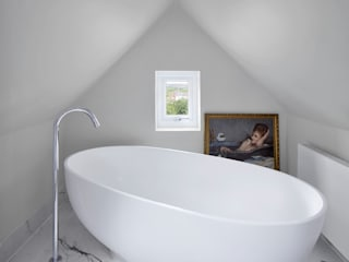 Creighton Avenue Andrew Mulroy Architects Modern bathroom