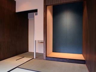 木立に佇む家: 設計事務所アーキプレイスが手掛けた和室です。,