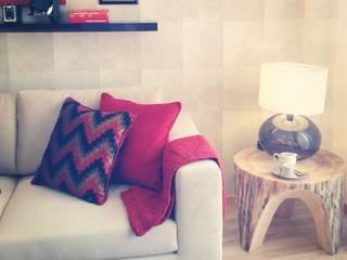 ห้องนั่งเล่น โดย Santiago   Interior Design Studio , โคโลเนียล