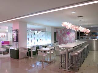 Restaurant Bio'tifull place à Printemps Hausmann: Restaurants de style  par octavio & co