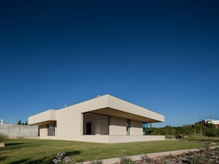 Houses by Estúdio Urbano Arquitectos , Minimalist