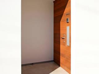 設計事務所アーキプレイス Puertas y ventanas eclécticas