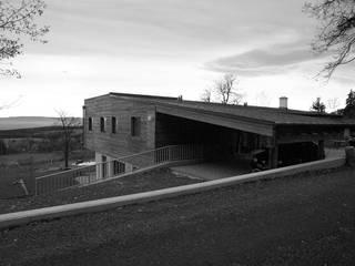 Forsthaus Landsee Moderne Häuser von snugdesign Modern
