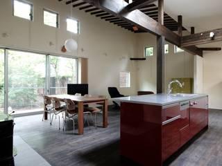 アイランドキッチン: 前田敦計画工房が手掛けたキッチンです。,