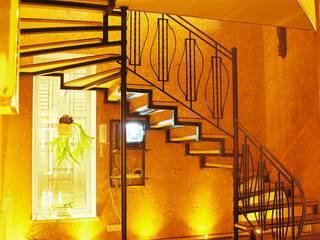 Архитектор Владимир Калашников Classic corridor, hallway & stairs