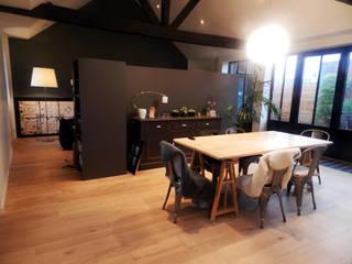 Rénovation d'un appartement centre ville Fougères Salle à manger industrielle par NEWDECO Industriel