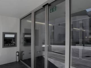 Eingangsbereich Bank:   von Gilgen Door Systems