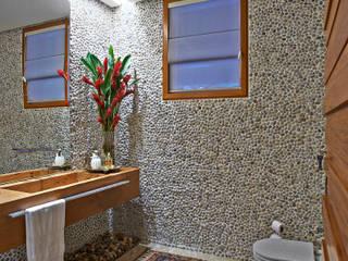 Ванные комнаты в . Автор – Beth Nejm, Рустикальный
