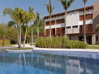 Residência Itu: Casas  por Maristela Faccioli Arquitetura,Moderno