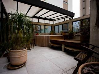 Apartamento Abilio Soares: Spas  por Maristela Faccioli Arquitetura,Moderno