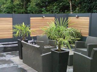 Jardines de estilo moderno de Deck-linéa Moderno