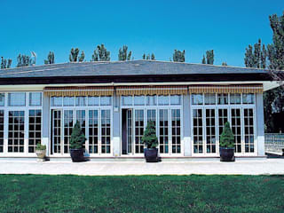 Classic style balcony, porch & terrace by SISTEMAS GAHM SL Classic