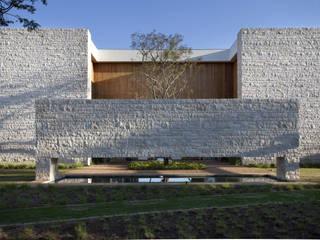 Residência Quinta da Baronesa Casas modernas por Débora Aguiar Moderno