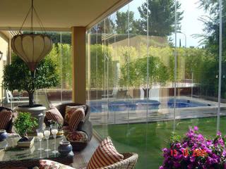 Modern style balcony, porch & terrace by SISTEMAS GAHM SL Modern