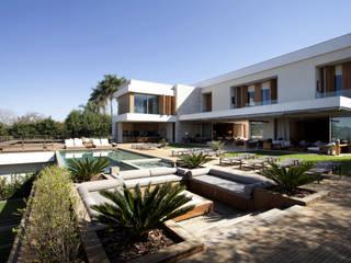 Débora Aguiar Jardines de estilo moderno