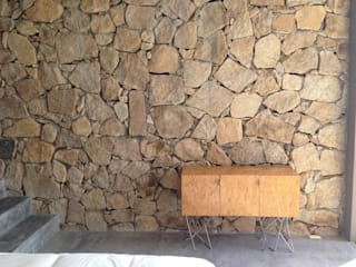 Casa Chachalaka: Paredes de estilo  por DECO Designers