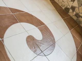 Bagno stile Gaudì di Milani Iurisevic decorazioni Eclettico