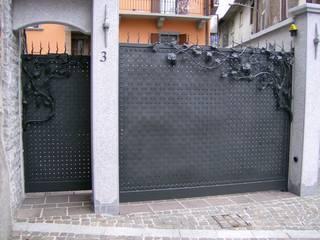 Casas de estilo clásico por CMG Costruzioni Metalliche Grassi