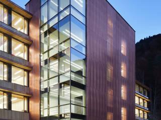 Spiegel Fassadenbau Bangunan Kantor Gaya Eklektik