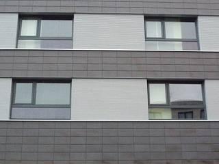 Keramikfassade von Spiegel Fassadenbau:  Hotels von Spiegel Fassadenbau