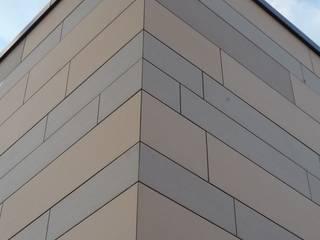 Keramikfassade von Spiegel Fassadenbau:  Schulen von Spiegel Fassadenbau