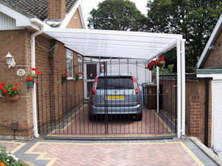 Carport:  Terrace by Living Space