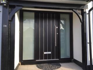 Horrow Moderne Fenster & Türen von Stronghold Security Doors Modern