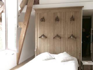 chambre: Chambre de style de style eclectique par Atelier DCCP Architectes
