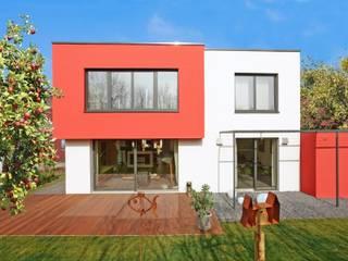 Bauhaus-Villa Avantgarde 200 von Rötzer Ziegel Element Haus:  Häuser von Rötzer Ziegel Element Haus GmbH