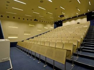 Sekolah oleh Zalewski Architecture Group, Modern