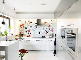モダンな キッチン の Pracownia projektowa artMOKO モダン