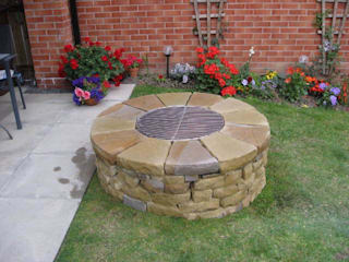 Large rustic firepit, Newcastle upon Tyne. Jardin rustique par Lithic Fire Rustique