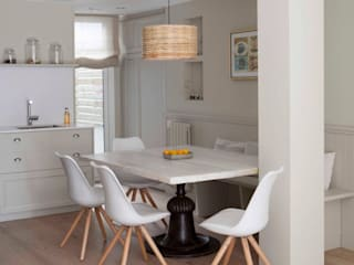 IN PLACE Scandinavian style dining room by La Maison Barcelona Scandinavian