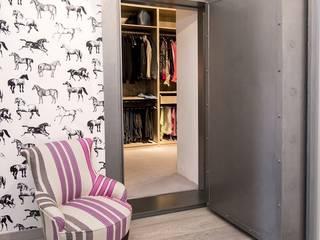 IN PLACE Vestidores y placares modernos de La Maison Barcelona Moderno