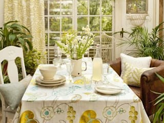 Clarke & Clarke - Wild Garden Fabric Collection Curtains Made Simple 餐廳