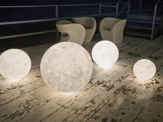 Lampade da terra di in-es.artdesign Moderno