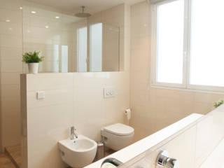 Modern bathroom by Estatiba construcción, decoración y reformas en Ibiza y Valencia Modern