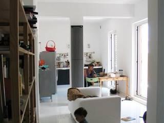 Vista generale : Soggiorno in stile  di Silvia Panaro Architettura e Design